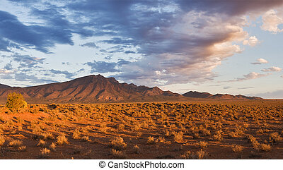 Flinders Ranges Mountains in the evening, sunset