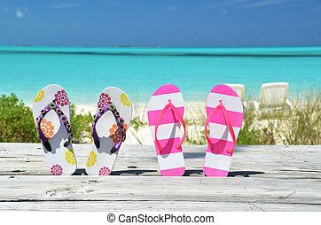 flip-flops, mot, par, atlantic., två, bahamas, exuma