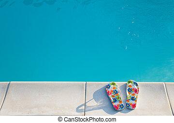 flip-flops, nära, den, swimming-pool