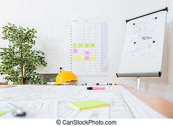 flipchart, y, amarillo, hardhat, en, lugar de trabajo
