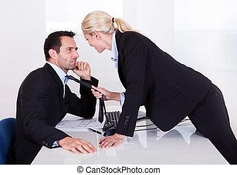 flirter, dans, bureau