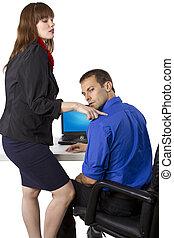 flirtując, współpracowniczka
