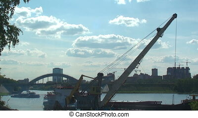 Floating crane, time-lapse