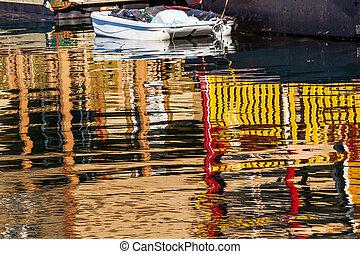 Floating Home Village Houseboats White Boat Reflection Inner Har