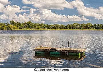 Floating lake jetty