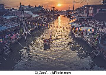 Floating market Amphawa evening at Samut Songkhram (Vintage ...
