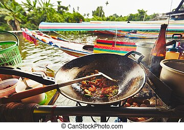 Floating market in Bangkok - Cuisine on the boat - Bangkok,...