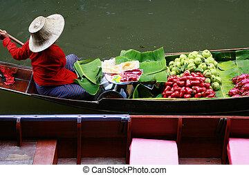 Floating Market in Thailand - Fruit boat of floating market ...