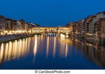 Florence, Ponte Vecchio, blue hour