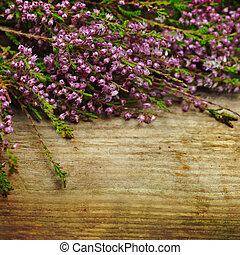 flores, en, el, viejo, de madera, plano de fondo, vendimia, estilo