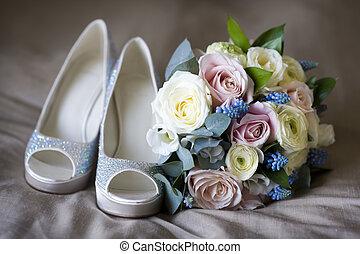 flores, sapatos, casório
