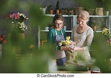 floricultores, fazer, arranjo floral