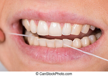 flossing, mulher, dentes