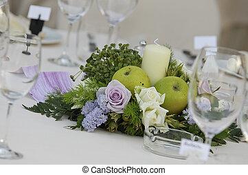 centerpiece - flower centerpiece for wedding table