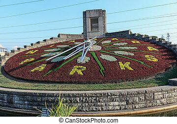 Flower clock in Niagara Falls, Ontario Canada - The biggest...