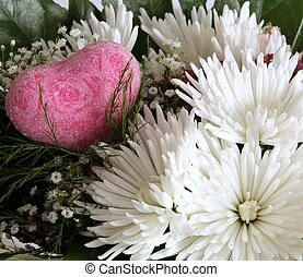 Flower composition with heart
