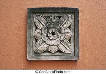 flower crest plaster
