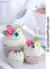 Flower cupcakes - Afternoon tea served with flower cupcakes