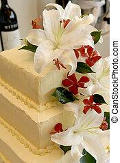Flower decorated wedding cake