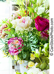 flowers bouquet arrange for decoration in home