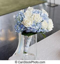 flowers bouquet arrange for decoration in wedding ceremony