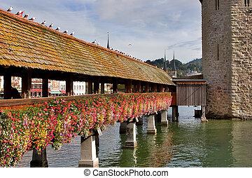 Flowers bridge