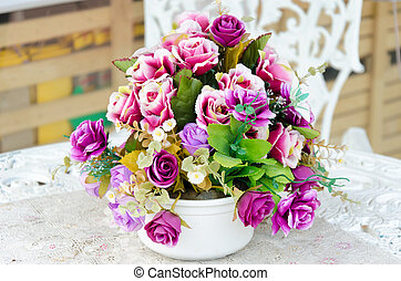 Flowers in a vase on the table.