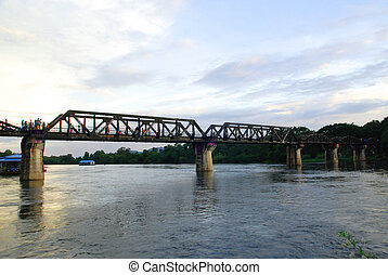 fluß kwai, eisenbahnbrücke, an, kanjanaburi