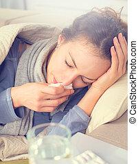 flu., mulher, pegado, cold., espirrando, em, tecido