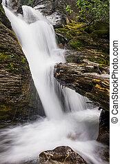 fluir, cachoeiras