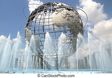 Flushing Meadows - The Unisphere in Queens (Flushing...