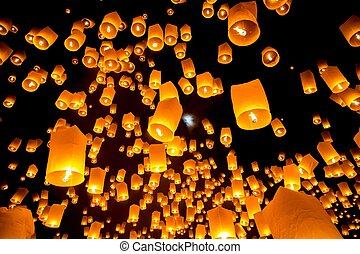 Flying Sky Lantern on Yeepeng festival, thai lanna tradition religion in Chiangmai thailand