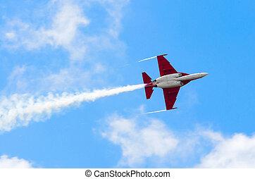 flyvemaskine, fighter, flyver, og, røg, blå, sky.