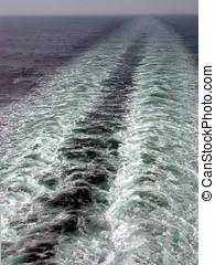 Foaming sea wake