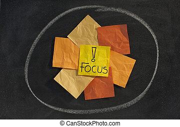 foco, concepto, en, pizarra