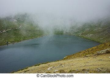 Fog over The Tear lake