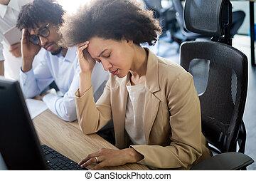 fogalom, dolgozó, ügy emberek, emberek, laptop, -, ügy, számítógép, hajópapírok, elmarad, hivatal