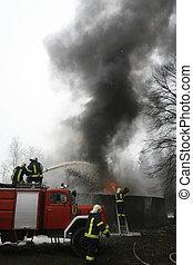 fogo, perigo, bombeiro, emergência, bombeiro