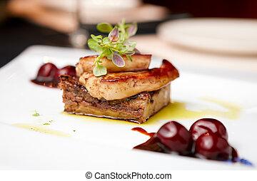 Foie gras - Fried foie gras with cherry sauce and figs