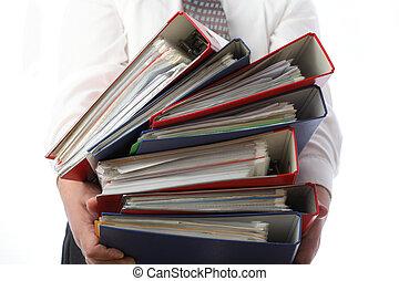 folders, -, vrijstaand, vasthouden, stapel, man