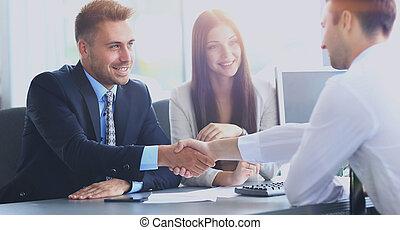 folk branche, hånd ryst, færdigbehandle, oppe, en, møde