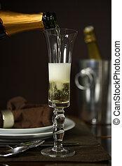 folyik pezsgő, bele, egy, furulya