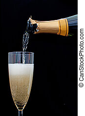 folyik pezsgő