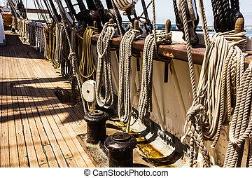 fonatok, hajó