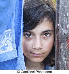 foncé-d'une chevelure, countryside., jeune, dehors, portrait, girl
