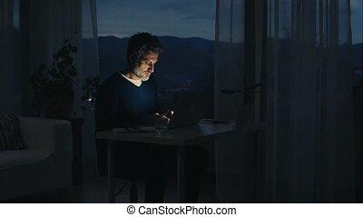 fonctionnement, bureau., ordinateur portable, mûrir, maison, homme