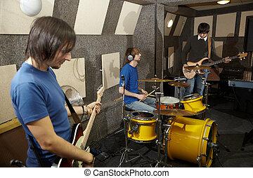 fonctionnement, deux, une, musiciens, band., guitares, rocher, studio, batteur, électro