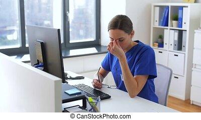 fonctionnement, docteur hôpital, fatigué, informatique