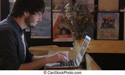 fonctionnement, entrepreneur, ordinateur portable, jeune, travailleur indépendant, utilisation