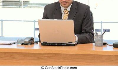 fonctionnement, ordinateur portable, homme affaires